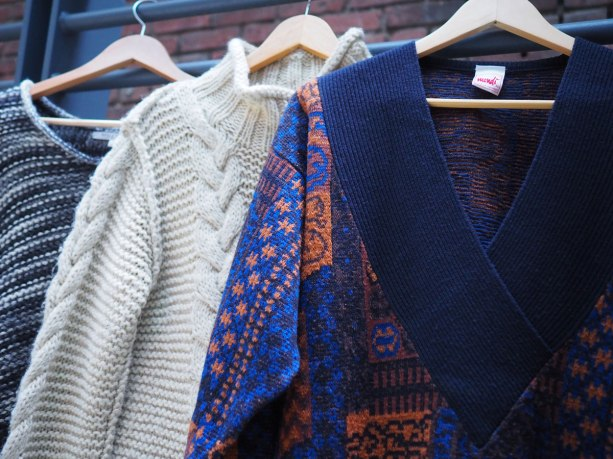 sweaters-hangers